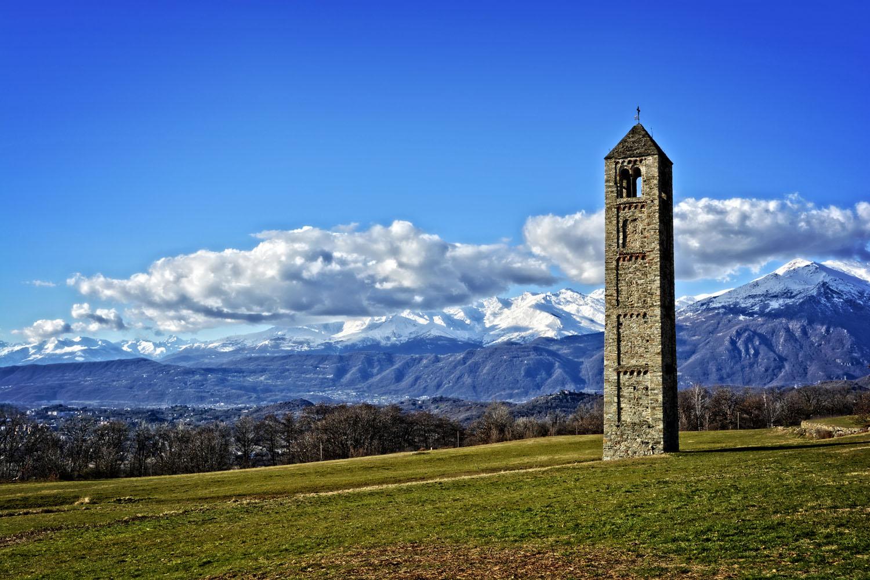 Il campanile romanico di San Martino